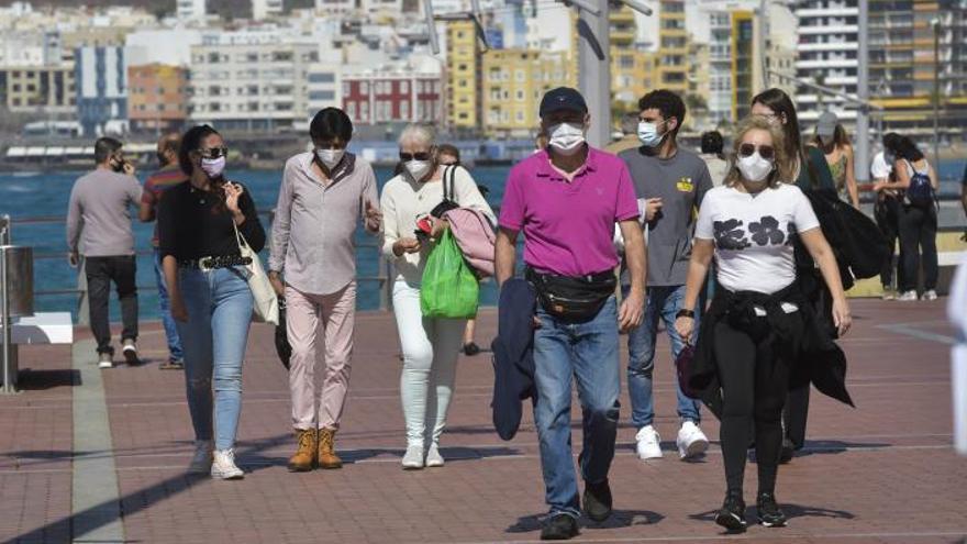 Canarias estudia permitir los viajes interinsulares en nivel 3, con test negativo