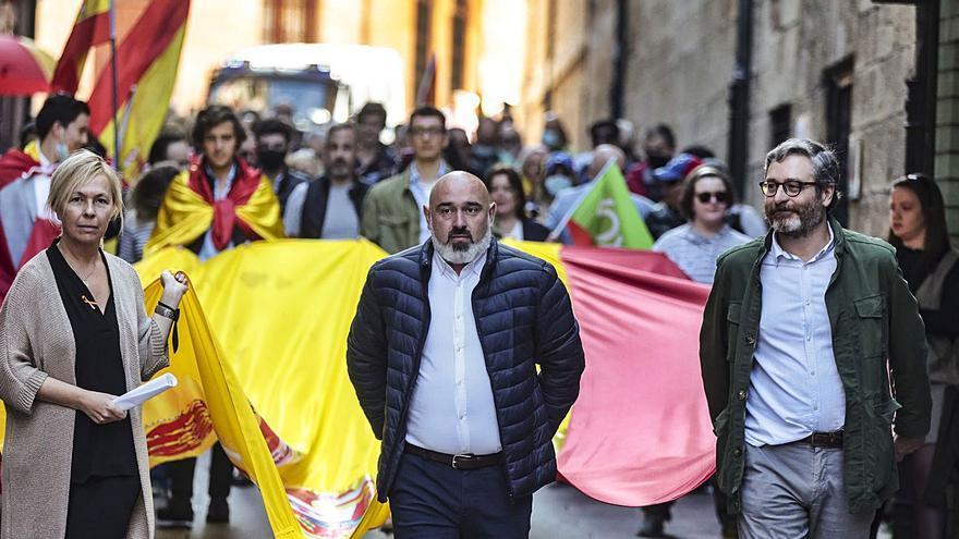Vox celebra una marcha por el Antiguo para reivindicar la unidad de España