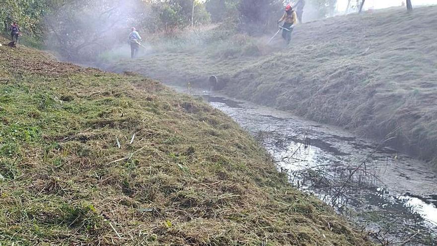 Redondela despeja los tramos urbanos de los ríos para prevenir inundaciones