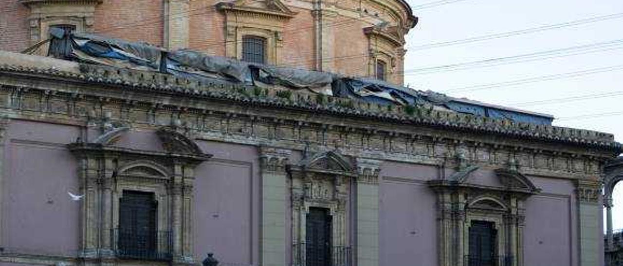 La plataforma Paco Leandro llevará  el toldo de la Basílica a los tribunales