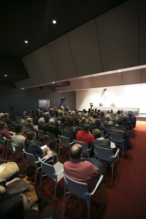 Conferencia de la epidemióloga Adonina Tardón en el Club Prensa Asturiana de La Nueva España