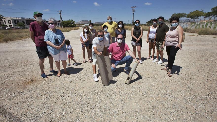Vecinos de San Vicente que conviven con el amianto lo denuncian en Fiscalía