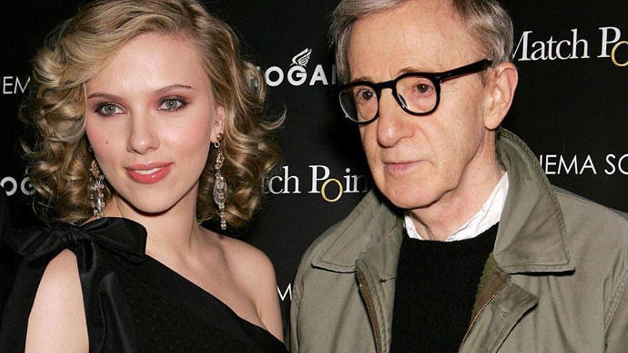 Scarlett Johansson defiende a Woody Allen tras las acusaciones de abusos de su hija