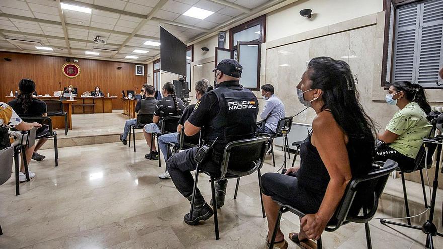 La mayoría de los acusados de alquilar pisos okupados en Palma se niegan a declarar en el juicio