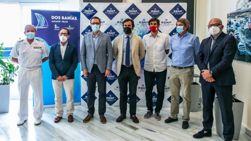 La regata Dos Bahías, presentada en el Real Club Náutico de Palma con la presencia de la directiva del Club de Regatas de Alicante