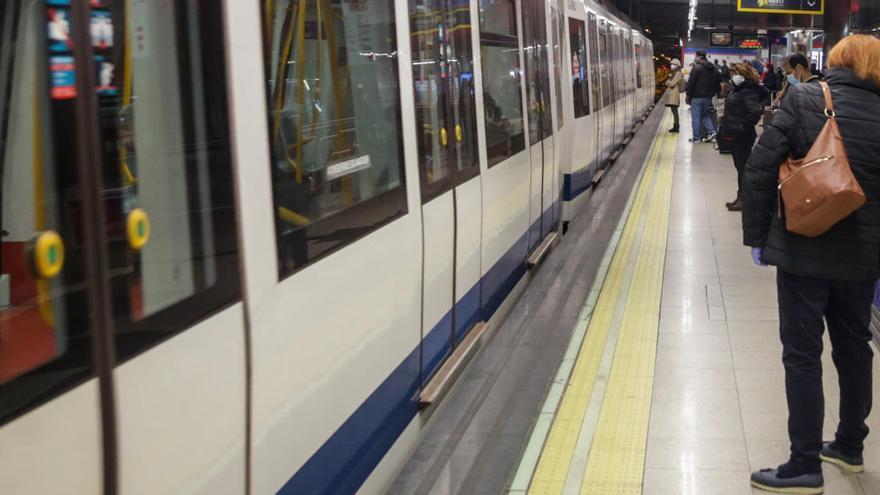 Metro de Madrid corta dos líneas por el agua de tormenta