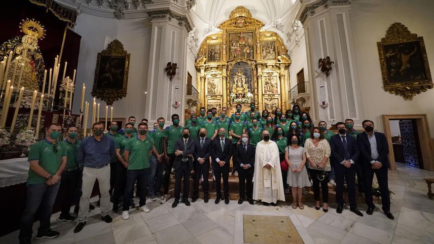 El Unicaja visita a la Virgen de la Victoria