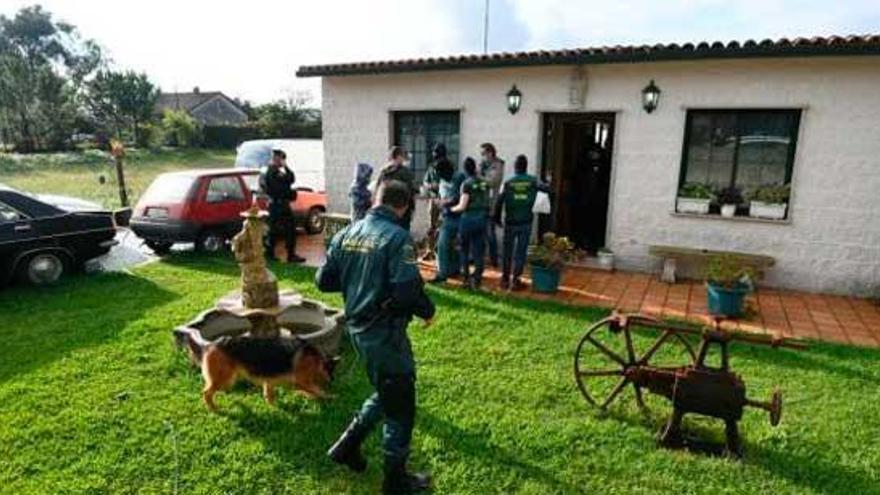 Al menos cuatro detenidos en un golpe al narcotráfico vinculado al clan de 'Los Ferrados'