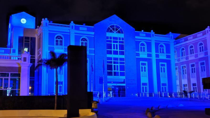 El Cabildo se tiñe de azul por el Día Mundial del Autismo