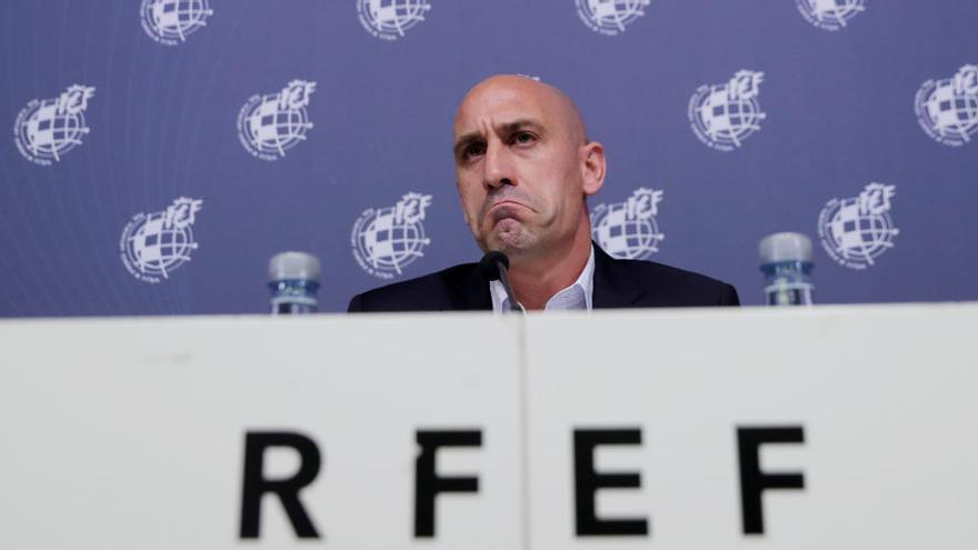 La RFEF crea una Comisión de Crisis para abordar la suspensión de partidos