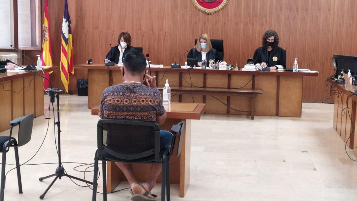 El acusado por abusar de una menor con discapacidad en Campos.