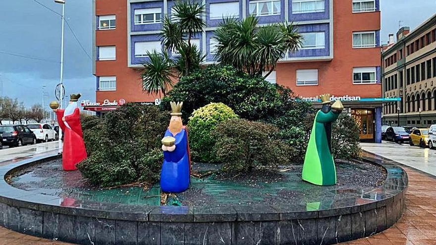 Tres instalaciones dedicadas a los Reyes Magos enriquecen la decoración navideña