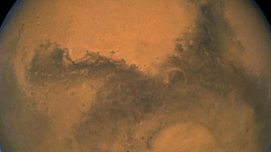 Marte estaba cubierto de capas de hielo en su origen y no de ríos que fluían