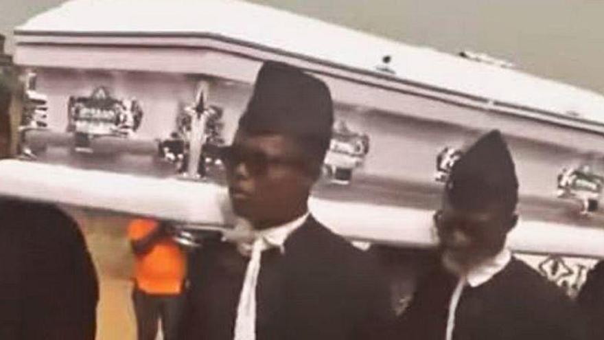 ¿Cuál es el origen del meme viral de los africanos bailando con un ataúd?