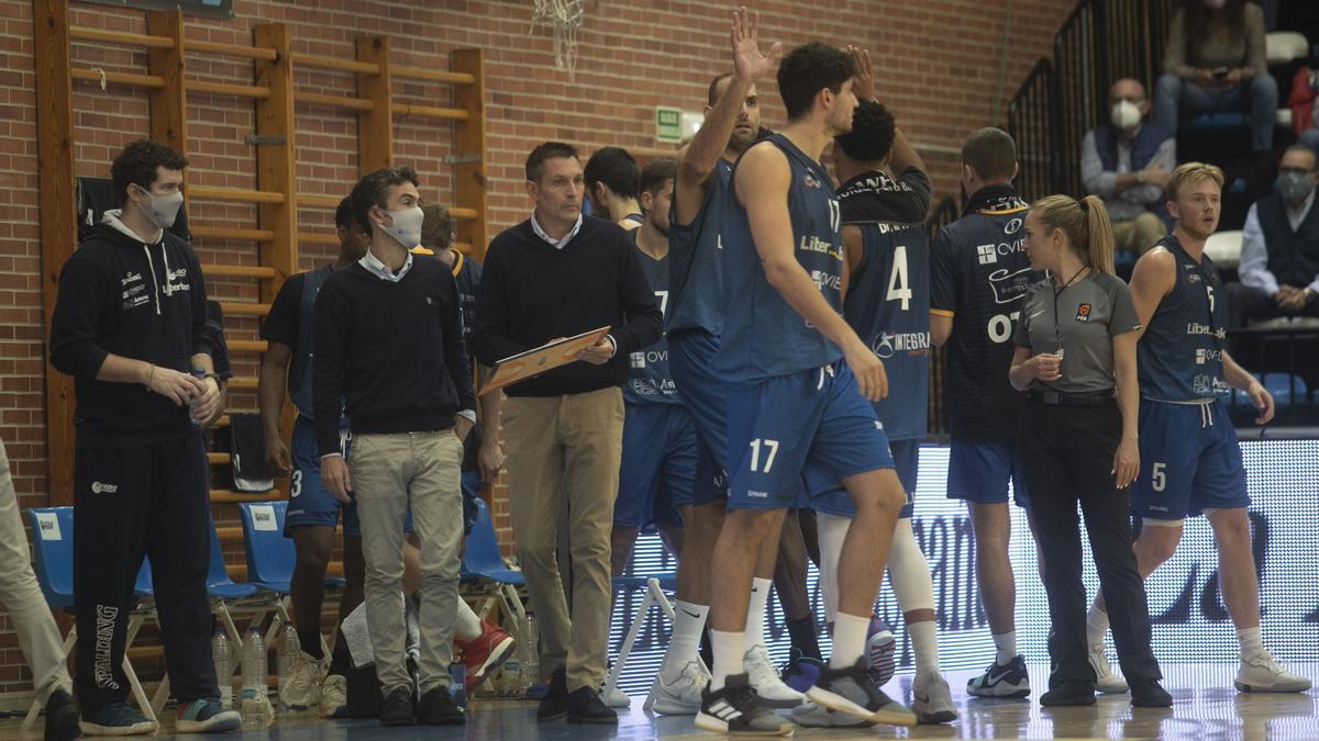 Partido del Oviedo Baloncesto ante el Breogan en Pumarín
