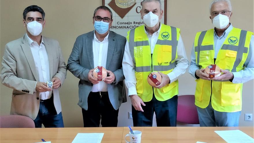 Torta del Casar renueva su convenio solidario con el Banco de Alimentos de Cáceres