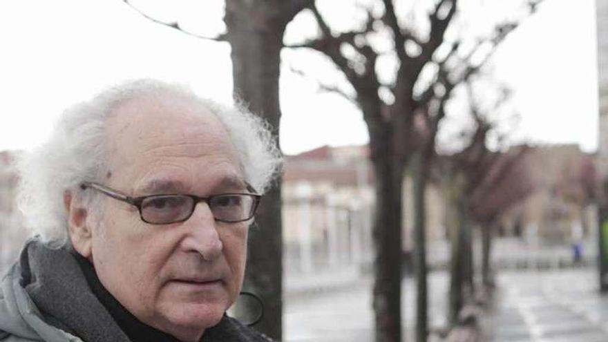 """Ricardo Pochtar: """"Mi poesía es cada vez más despojada, lo de ponerlo todo me parece abuso"""""""