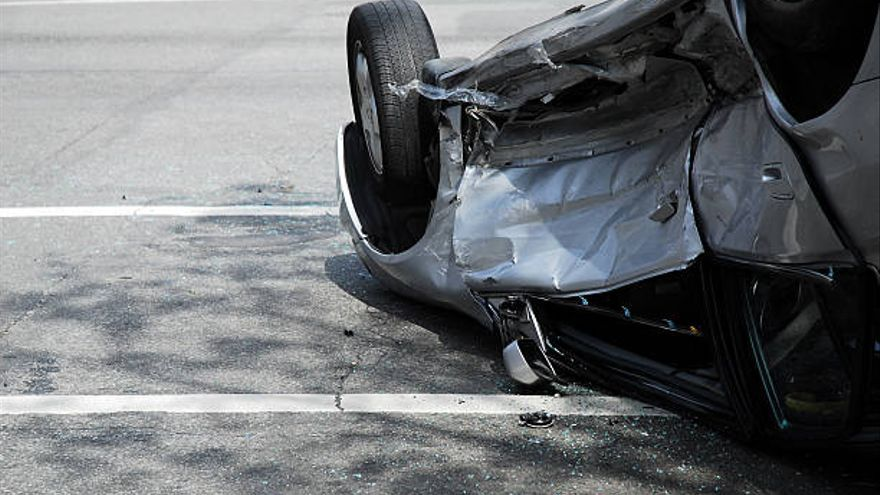 Vuelca un vehículo en un accidente en Xert