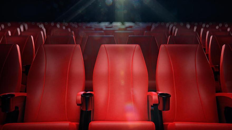 Mor després de quedar atrapat a la butaca d'un cinema