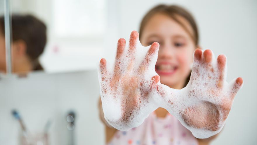 Un estudio desmiente la teoría de que el aseo perjudica la inmunidad infantil