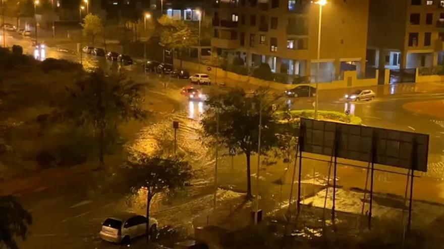 Las intensas lluvias provocan inundaciones en Castelló