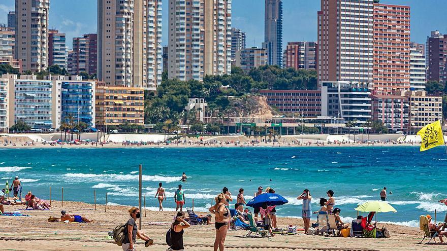 Puig pedirá al Gobierno que en julio se elimine la mascarilla en la playa