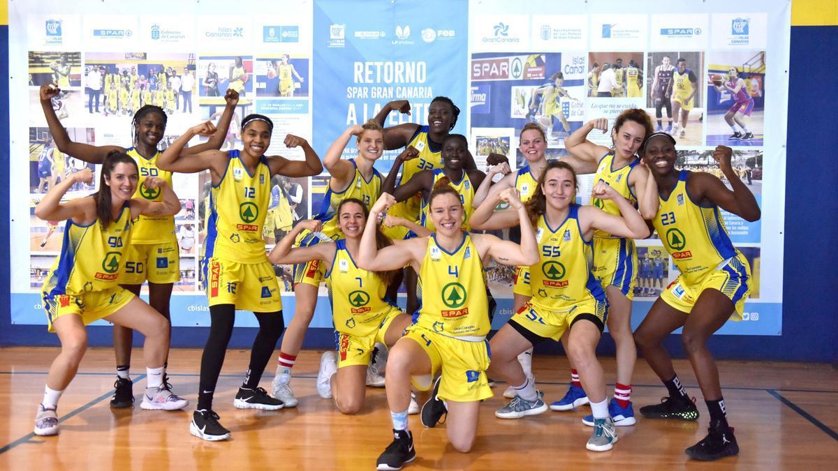 Las jugadoras del SPAR Gran Canaria celebran una victoria