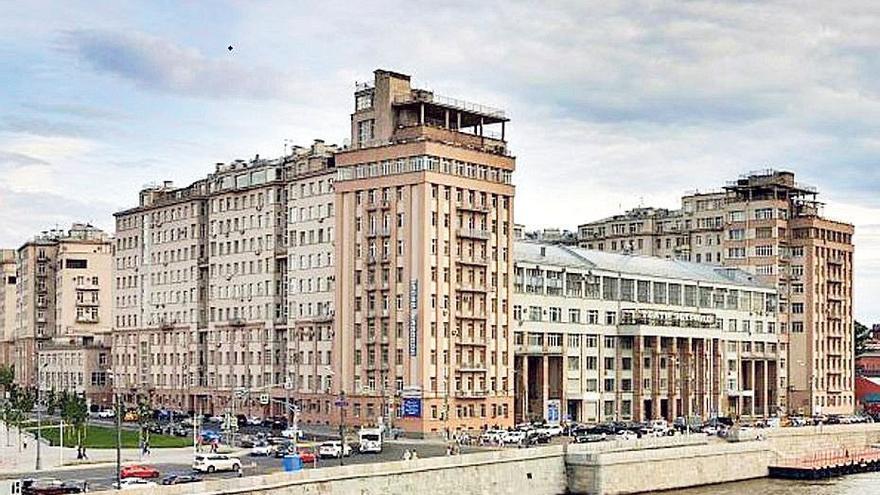 Visión épica y excéntrica de la revolución bolchevique
