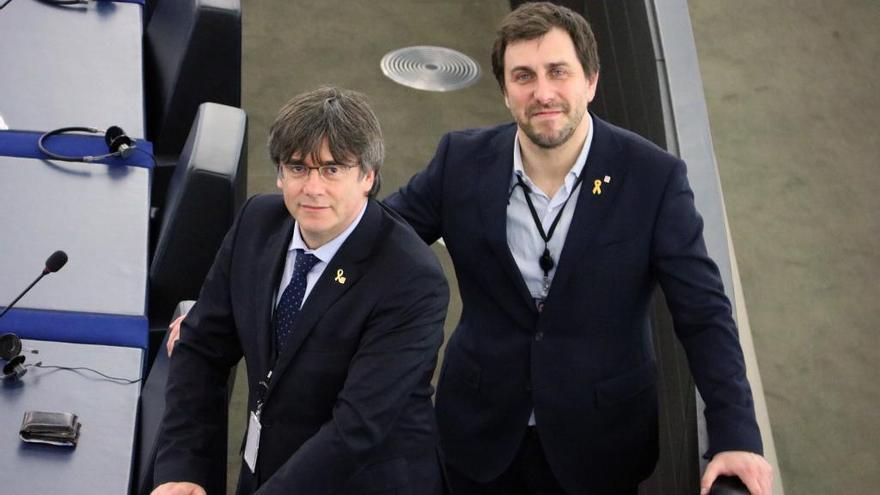 Puigdemont i Comín ocupen els seus escons al Parlament Europeu