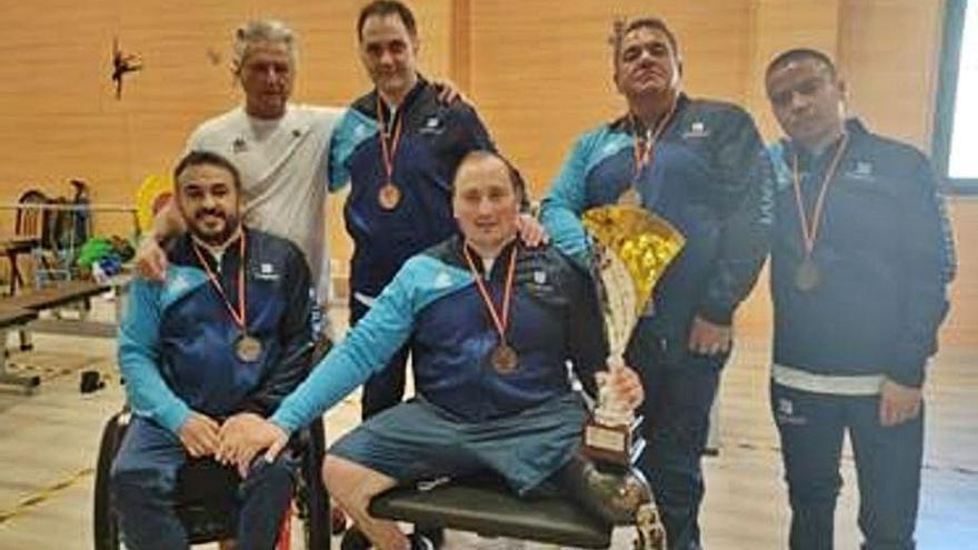 El equipo, la fuerza del San Mateo de halterofilia adaptada, campeón de España