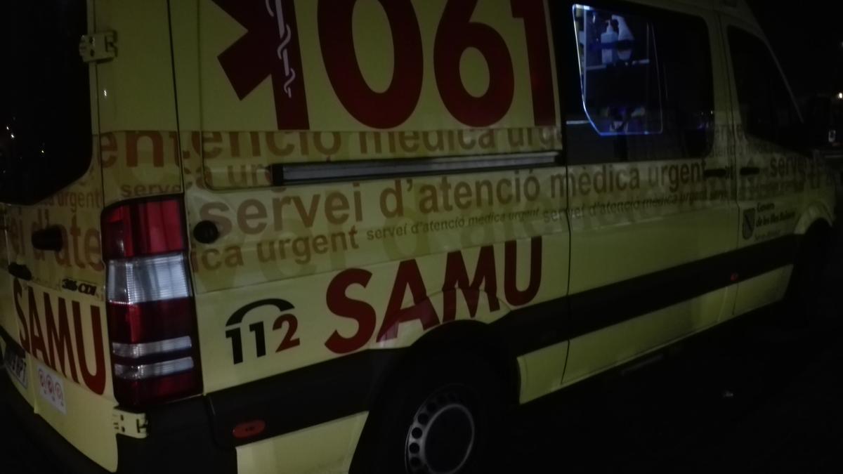 Un conductor se da a la fuga tras un grave atropello a dos peatones en calle Manacor de Palma
