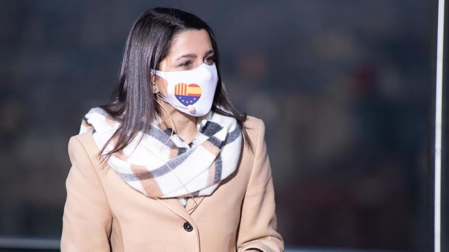 """Arrimadas confía en Carrizosa para que los catalanes vuelvan a """"abrazarse"""""""