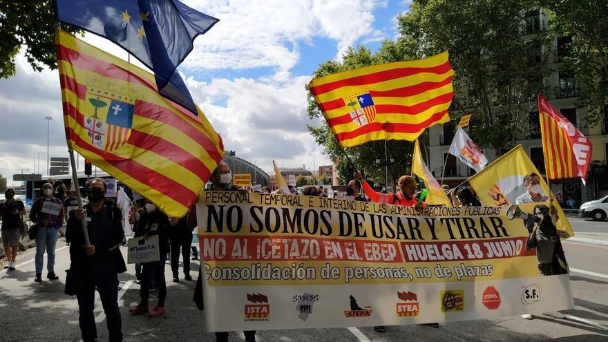 """Los interinos aragoneses protestan en Madrid por el """"abuso de temporalidad"""" en las Administraciones"""