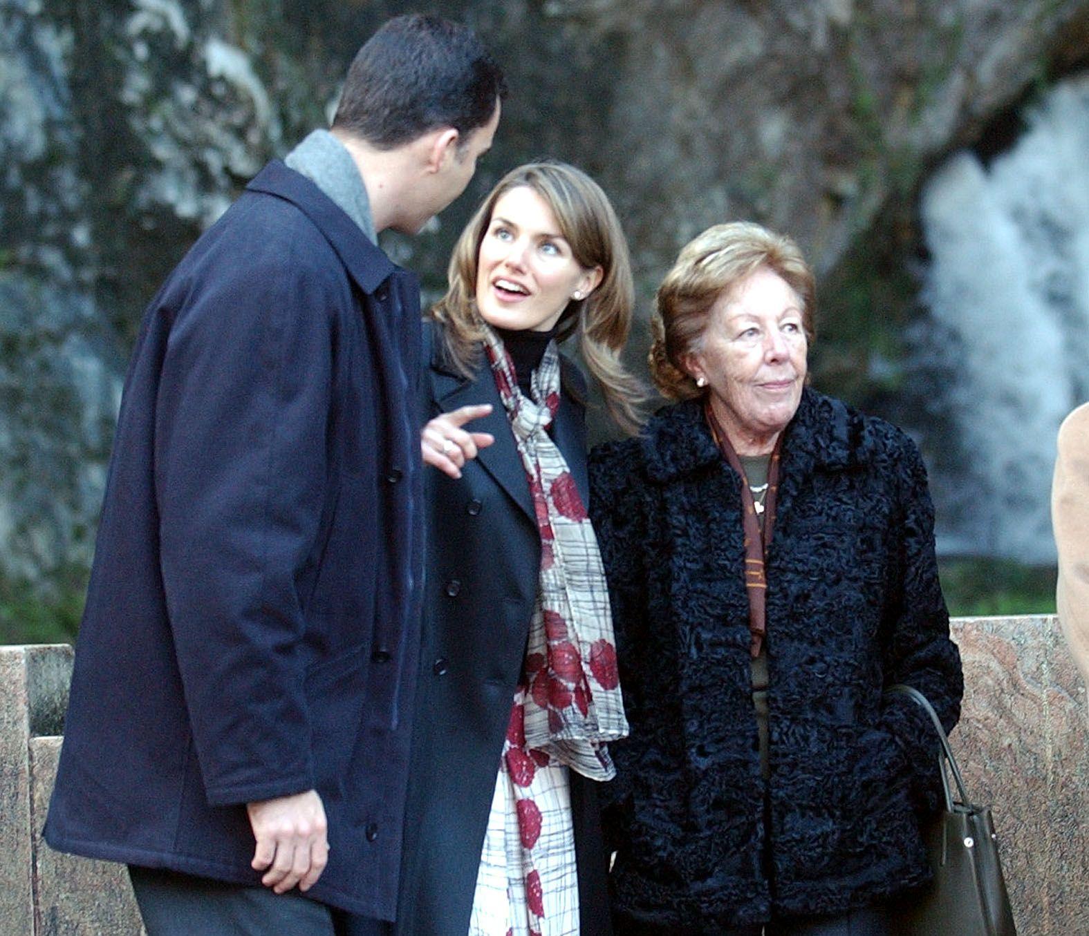 Fallece Menchu Álvarez del Valle, la más popular locutora de la radio asturiana y abuela de la Reina