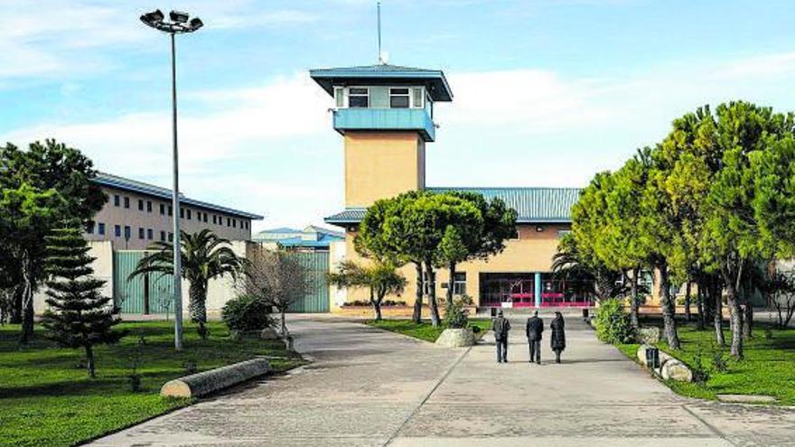 Un preso demanda a la cárcel de Palma por su despido de la cocina