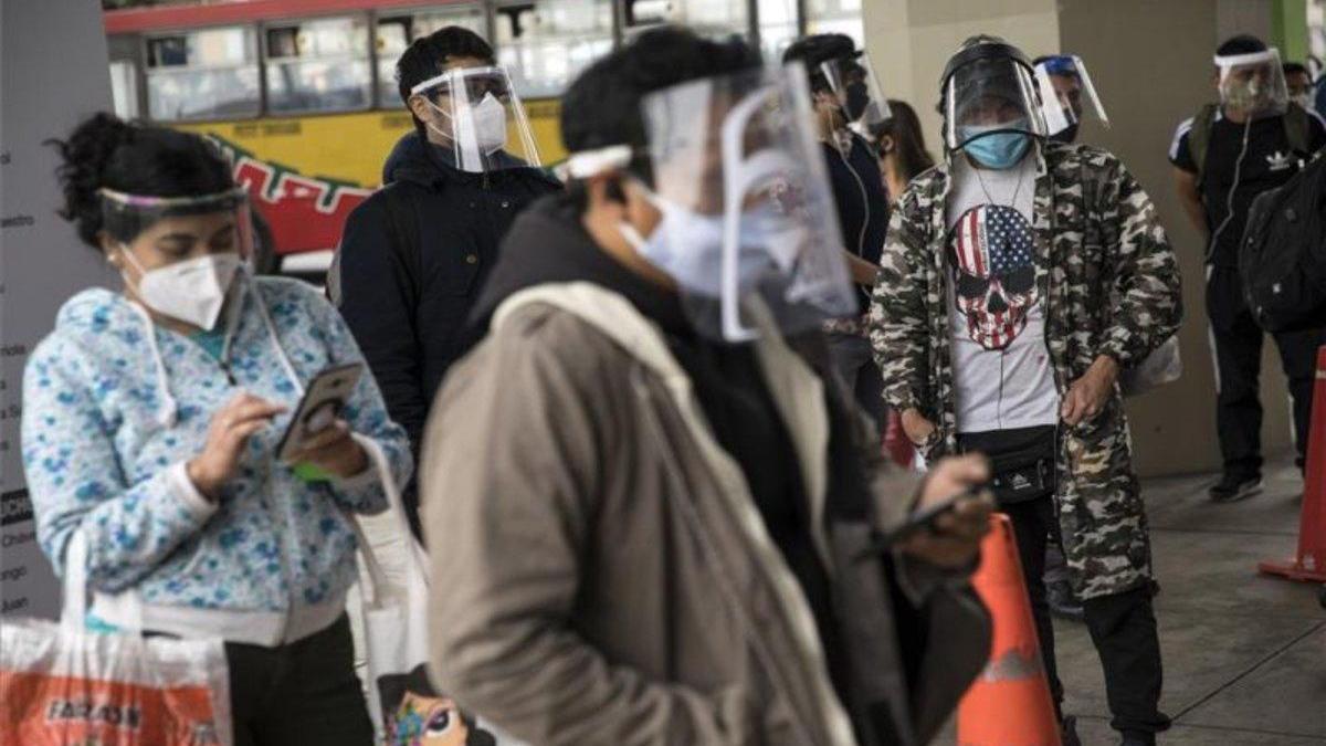 Cerca de tres millones de personas pueden tener COVID-19 en Lima, dice estudio