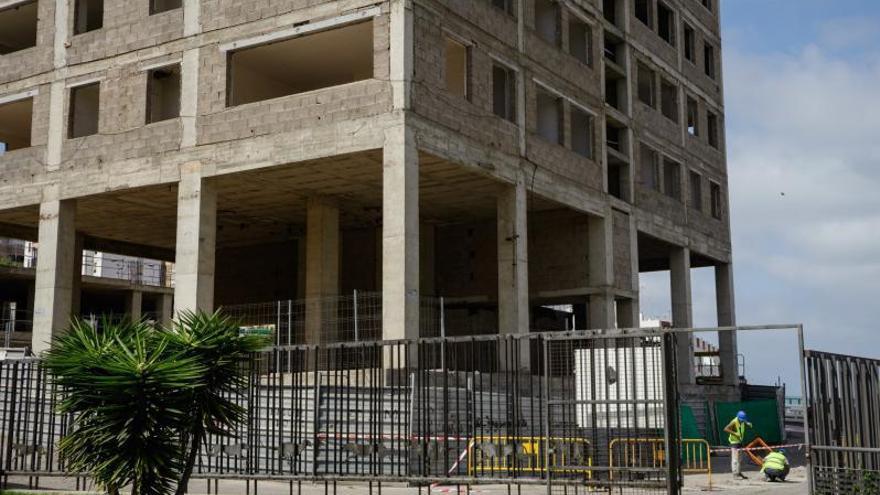 El juez pone en jaque la construcción de las torres del Canódromo