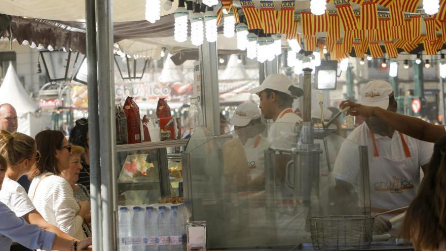 ¿Cuando empieza la venta de buñuelos en los puestos callejeros?