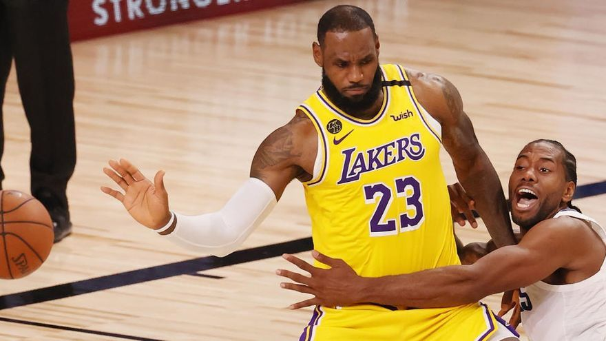 James destaca y encesta el triunfo de los Lakers