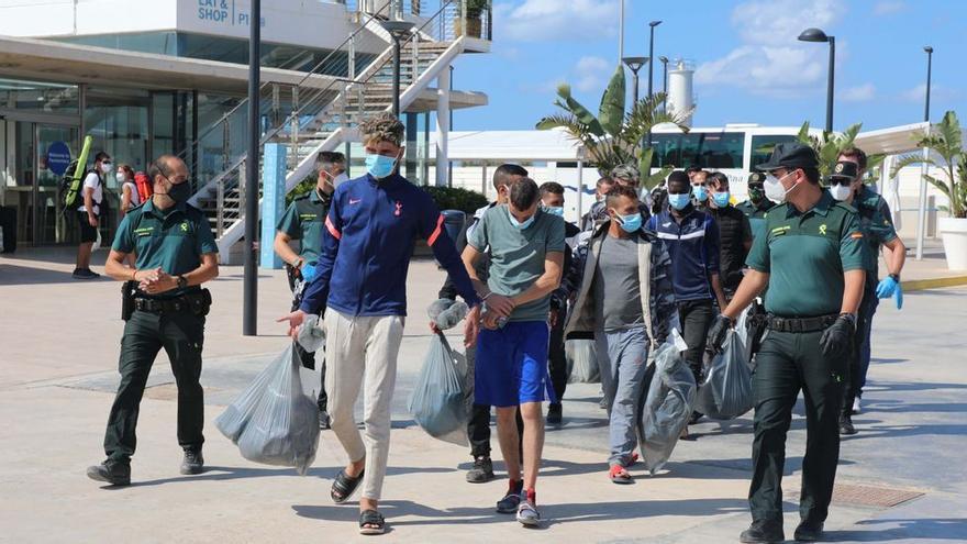 Continúa la llegada de pateras: una décima embarcación arriba a Formentera