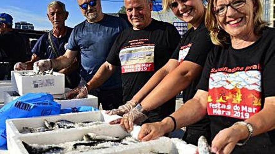 Mera celebra sus fiestas con sardinas