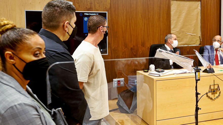 Condenados a un año y nueve meses de cárcel los dos policías acusados del robo millonario en el Grupo Matutes