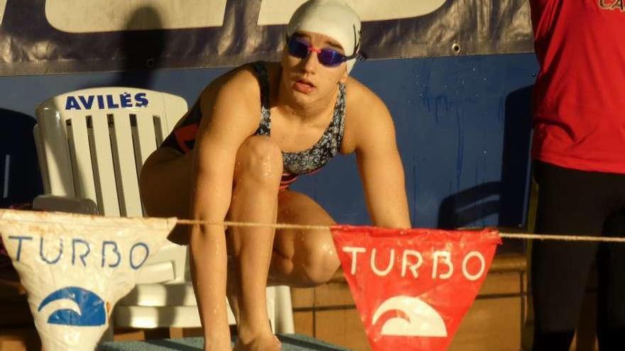 La nadadora castrillonense que pulveriza expectativas