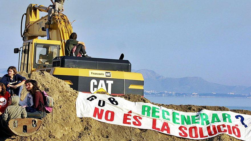 Los tubos de arena de Jaume Matas crearon fuerte controversia en 2002