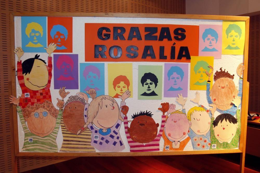 Rosalía cumple 180 años entre flores, versos y caldos de Gloria