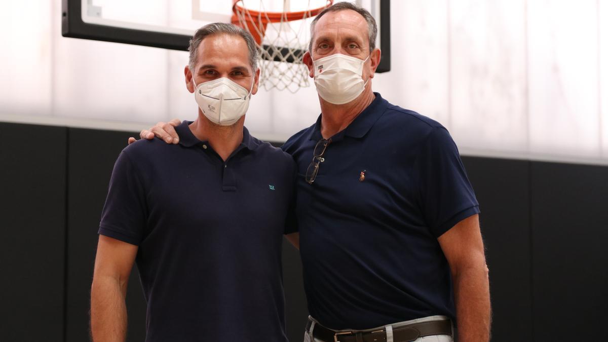 Brad Branson, junto a Víctor Luengo en L'Alqueria del Basket.