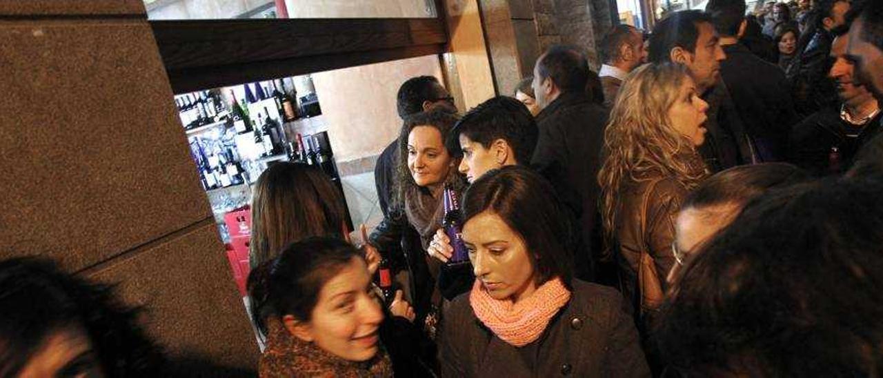 Sense Soroll estudia denunciar a Castelló por desobediencia si no reduce el horario en tascas