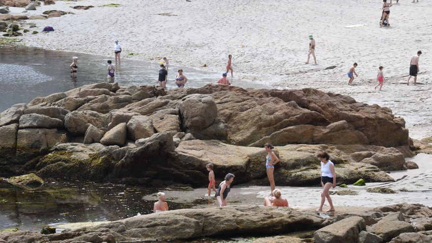 Galicia inicia la semana con calor, a la espera de las lluvias
