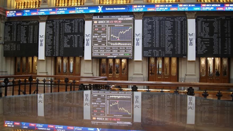 El Ibex 35 abre con una caída del 0,68% en un viernes marcado por la 'cuádruple hora bruja'