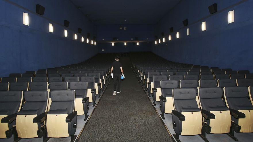 Los cines recuperan la tercera sesión y los autocines vuelven a la actividad